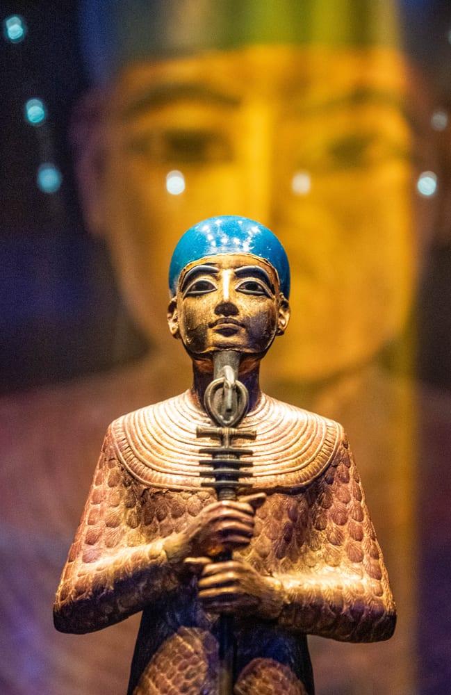 egyptian-statue